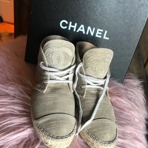 New Chanel Sneakers shoes 38 8 ankle hi top